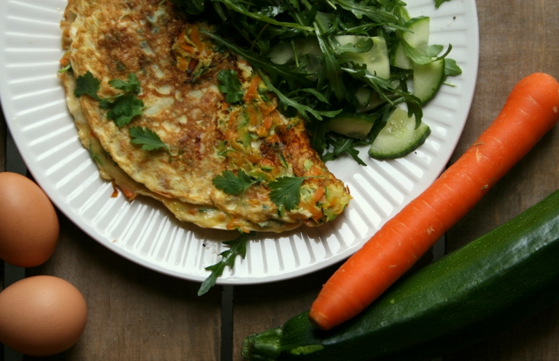 Karola's Kitchen - omelet met wortel, courgette en kaas
