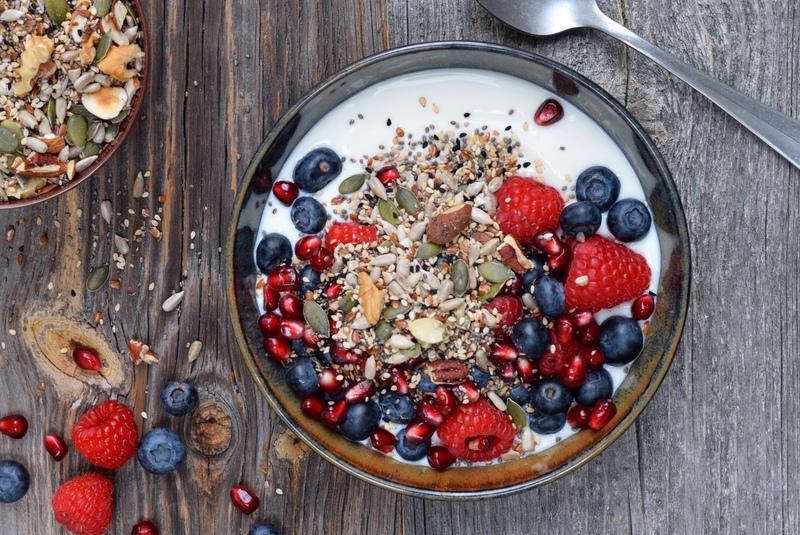 Gewoon Gezond - Mix van zaden en noten met yoghurt en fruit