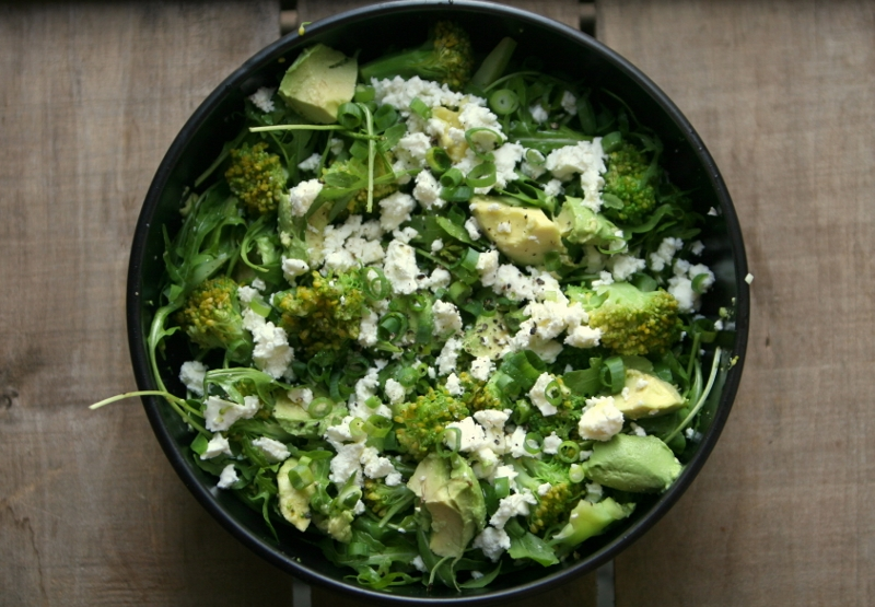 broccoli met avocado en feta