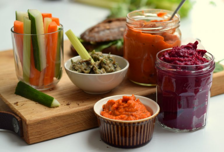 Karola's Kitchen - groentespreads van geroosterde paprika, rode biet en aubergine