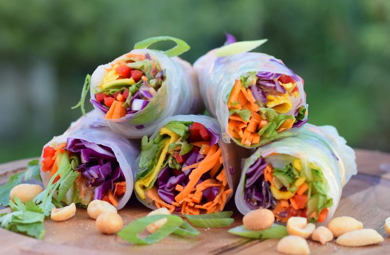 Karola's Kitchen - summer rolls met pindasaus