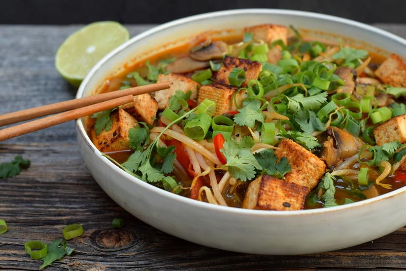 Karola's Kitchen - Vietnamese soep met gebakken tofu