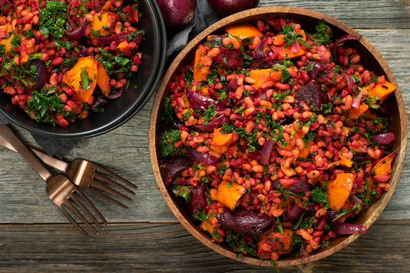 Karola's Kitchen - Kamutsalade met pompoen, rode biet en boerenkool