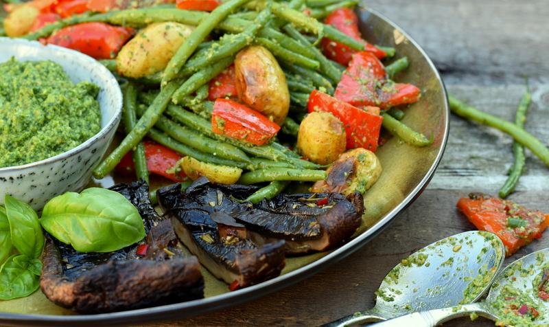Karola's Kitchen - barbecuesalade en portobellosteak