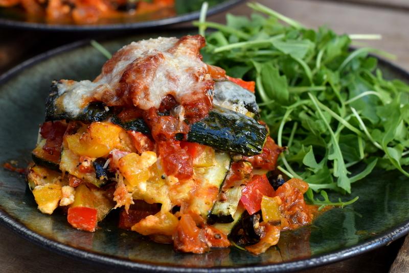 Karola's Kitchen - courgettelasagne met paprika en feta