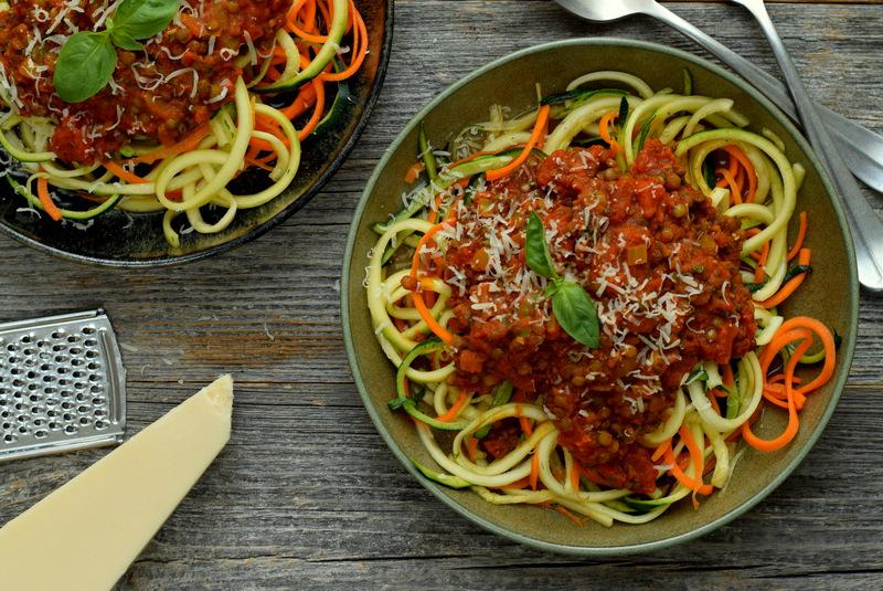 Karola's Kitchen - Groentespaghetti met linzenbolognese