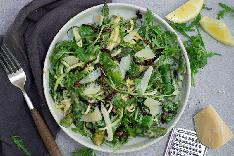Karola's Kitchen - Courgetti met groene asperges