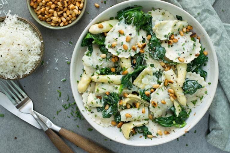 Recept voor gezonde pasta met aspergers en spinazie